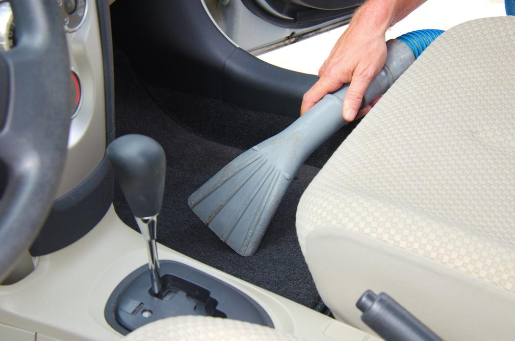 auto propre nettoyage de moquette de voiture cologique. Black Bedroom Furniture Sets. Home Design Ideas